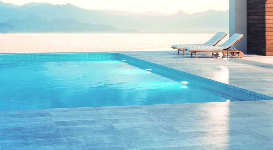 Construction de piscine béton armé. Piscines privées et collectives. Procédé coffrage perdu, pour la construction de piscine extérieure, intérieure