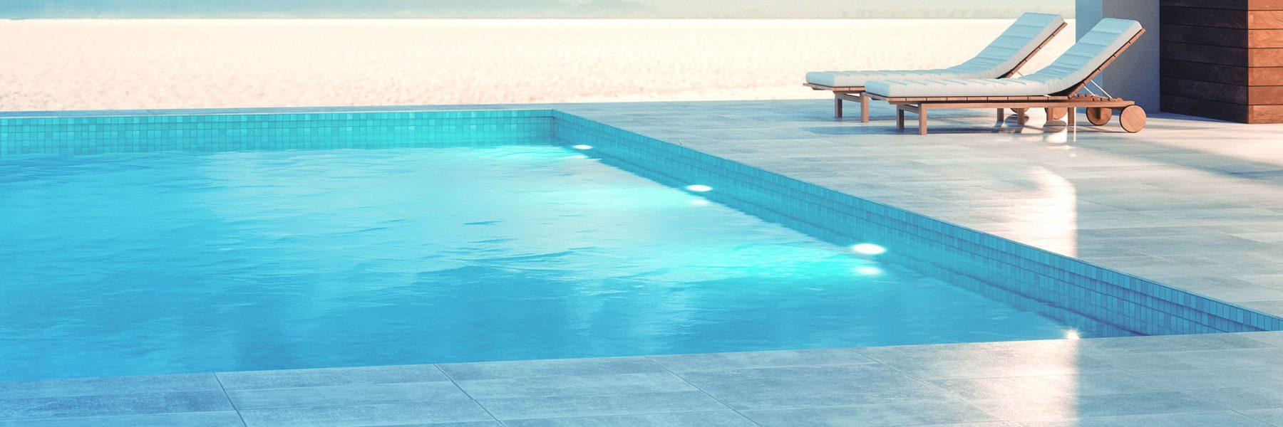 Construction de piscine béton armé. Piscines privées et collectives. Coffrage perdu, pour la construction de piscine extérieure, intérieure