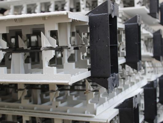 Montage du coffrage perdu sur sabots - Aquafeat
